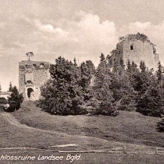 Schwarz-Weiss-Bild der Ruine Landsee